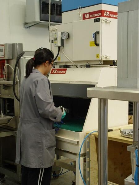 AR FILTRAZIONI | Filtrazione nebbie oleose e filtri per lavorazioni sbavatura e soffiaggio pezzi