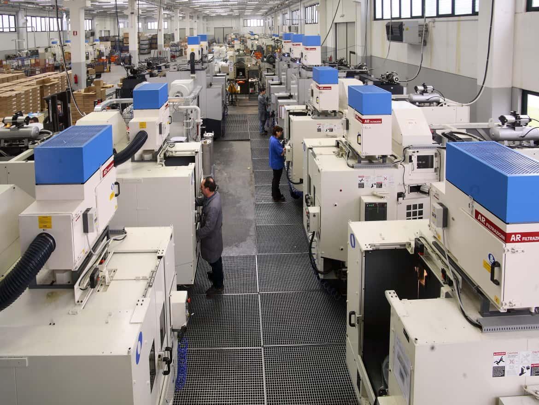 AR Filtrazioni Centri di lavoro CNC Makino