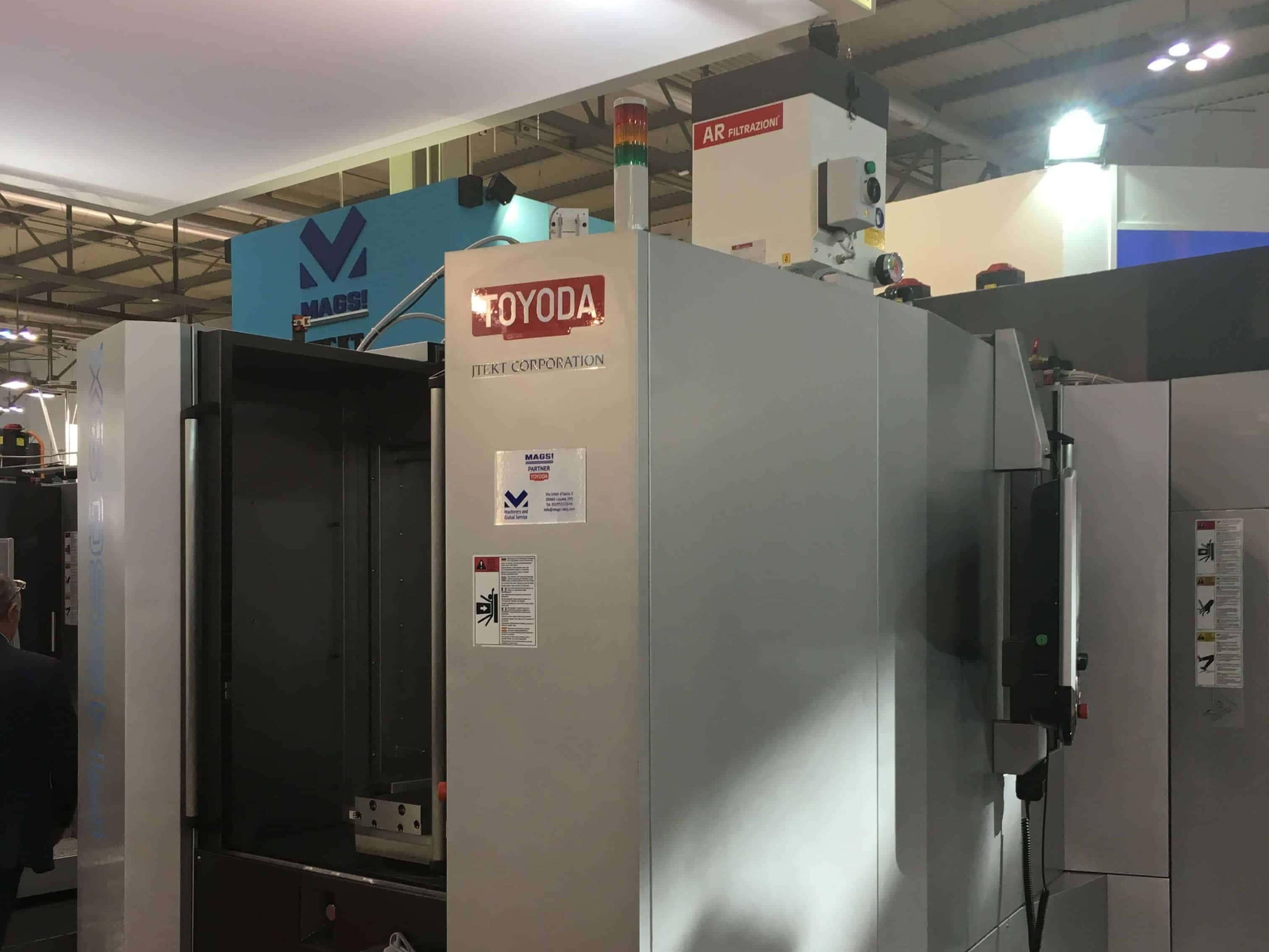 AR Filtrazioni Centri di lavoro CNC Toyoda